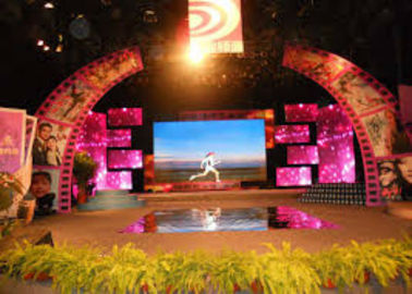 Cina Outdoor Large Screen LED TV Billboard , Advertising Led Display Board High Reliability Distributor